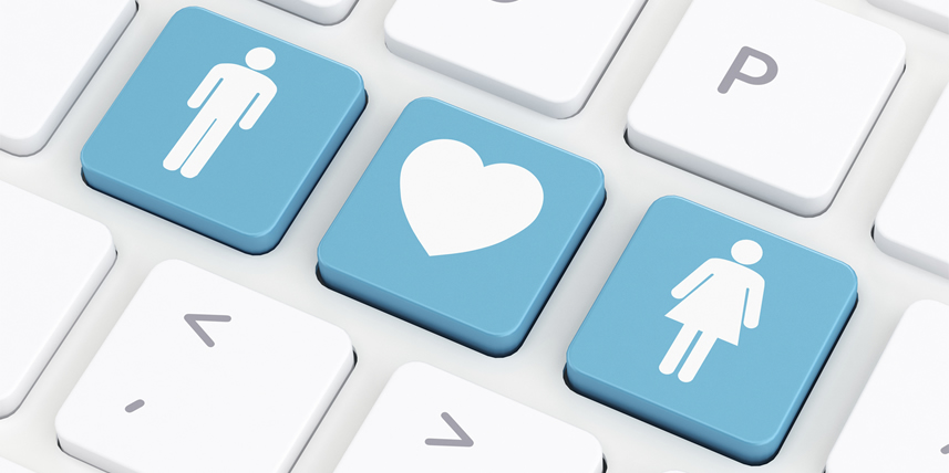 man-loves-woman-dating-keybord